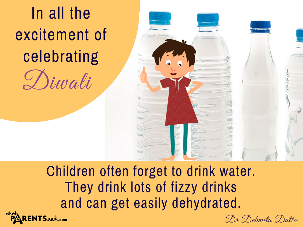 remind children that they must drink water in addition to fizzy drinks and juices